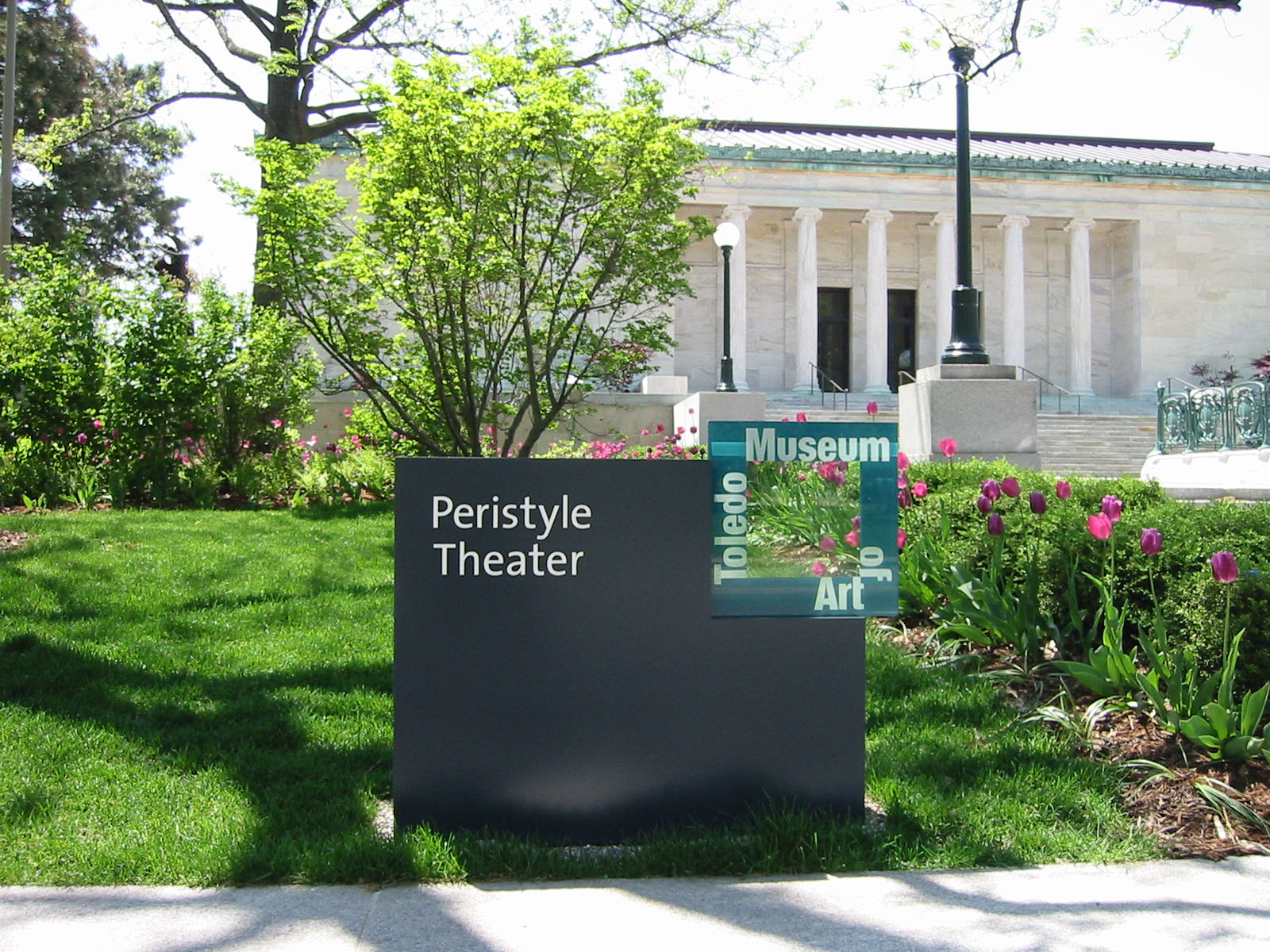 Project image 4 for Signage, Toledo Museum of Art